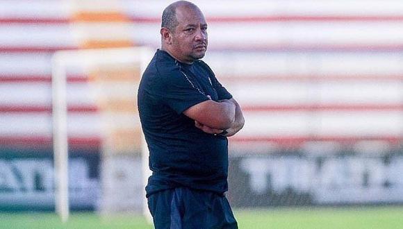 Orlando Lavalle, técnico de Carlos Stein (Foto: GEC)