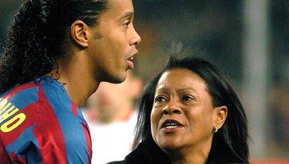 Falleció la madre de Ronaldinho Gaúcho víctima del coronavirus. (Foto: EFE)