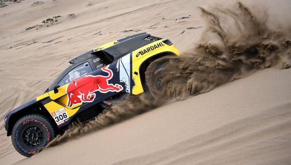 Sébastien Loeb corre con el número 306. (AFP)