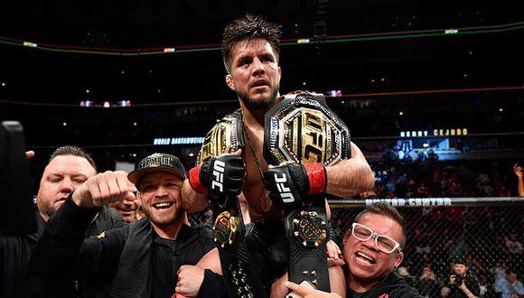 Henry Cejudo tiene un récord de 15-2 como peleador profesional. (Getty Images)