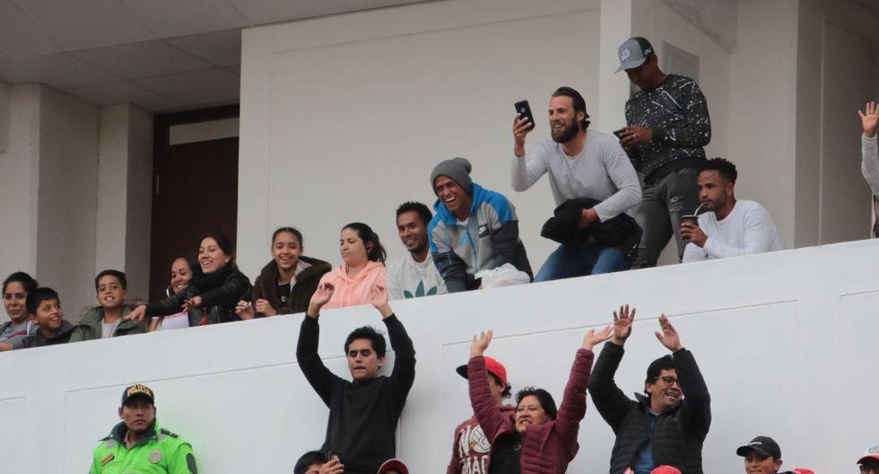 Carlos Lobatón estuvo en la tribuna del estadio Garcilaso. (José Carlos Angulo)