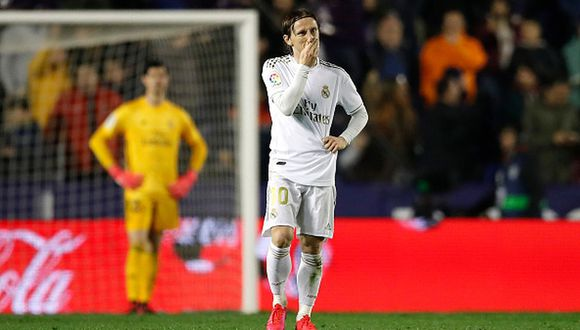 Real Madrid perdió ante Levante y llega segundo al Clásico de España ante Barcelona. (Getty)