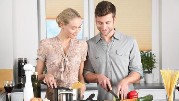 Cocinar no tiene que convertirse en un dolor de cabeza por gastar mucho dinero. Siempre hay tips que se pueden seguir. (Foto: Pixabay)
