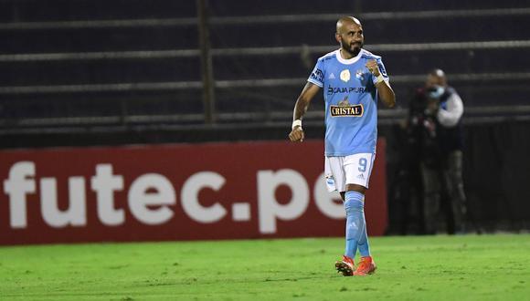 Marcos Riquelme celebra el título de la Fase 1. (Foto: Liga 1)