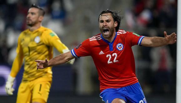 Ben Brereton anotó su primer gol oficial con Chile con Paraguay. (Foto: AFP)
