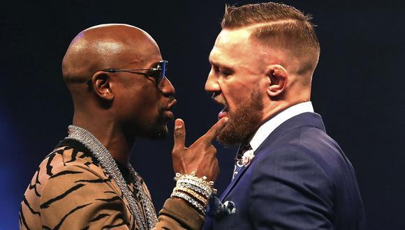 Floyd Mayweather golpea a McGregor tras su derrota en la UFC  (Foto: Getty Images)