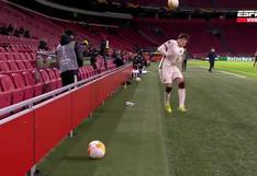 Por intentar hacer tiempo: recogepelotas le lanzó el balón al rostro a un jugador en el Ajax vs. Roma [VIDEO]