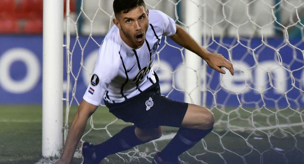 Libertad goleó a Universidad Católica en el estreno del Grupo H de la Copa Libertadores. (Agencias)