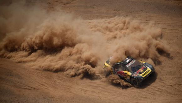 Sébastien Loeb corre con el número 306 en el Rally Dakar 2019. (AFP)