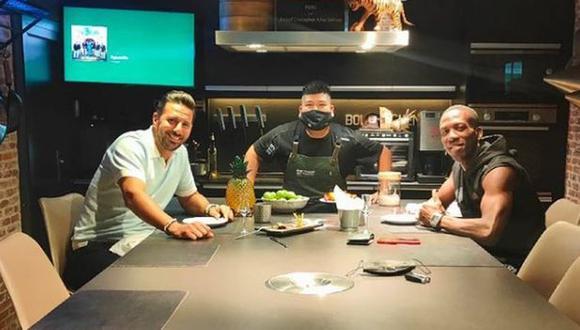 Claudio Pizarro y Luis Advíncula se juntaron para compartir una comida. (Foto: Instagram)