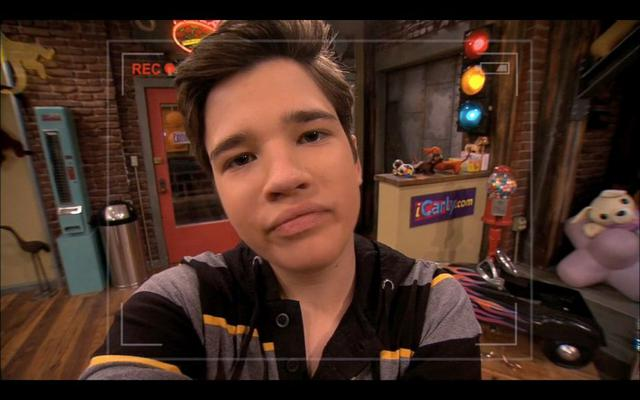 "C'est ainsi que Nathan Kress, Freddie de ""icarly"" (Photo: Nickelodeon)"