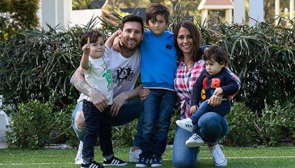 Lionel Messi inició sus vacaciones después de jugar la Copa América 2019 con Argentina. En una foto en Instagram se nota que los Messi-Roccuzzo desbordan alegría. (Foto: Instagram)