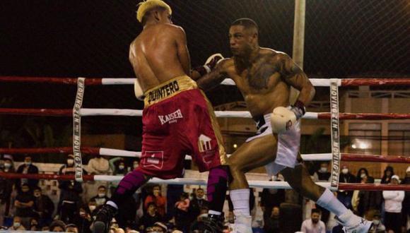 Jonathan Maicelo derrotó a Jeffry Quintero por nocaut técnico en Punta Hermosa