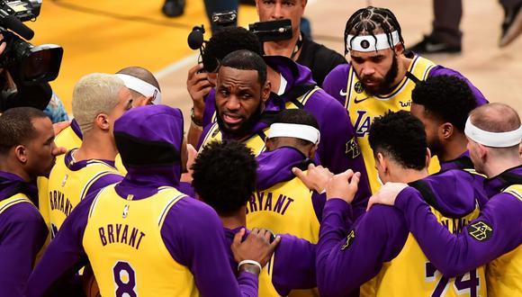 La NBA aconsejó a sus jugadores para evitar la propagación del coronavirus. (Foto: AFP)