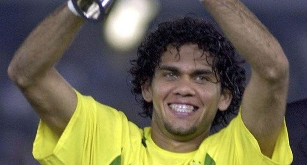 Dani Alves: campeón en Emiratos Árabes 2003. Figura en el PSG y antes en la Juventus y Barcelona. (Foto: Getty Images)