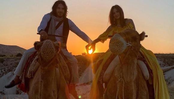 Mario Cimarro y su novia Bronislava Gregušová disfrutan vacaciones en Turquía. (Foto: Instagram/bronigregus)