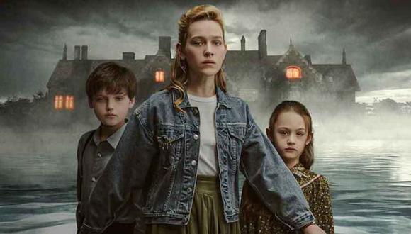 """""""La maldición de Bly Manor"""" nos relata la historia de Dani, una joven institutriz que decide mudarse a Londres y presentarse a un trabajo para cuidar dos niños huérfanos en una antigua casa (Foto: Netflix)"""