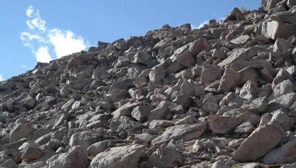 Este animal se encuentra escondido entre un cúmulo de rocas y el desafío es hallarlo en la imagen que es viral en redes sociales.