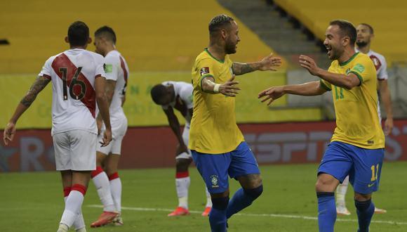 Perú cayó 2-0 con Brasil, por la décima fecha de las Eliminatorias. (Foto: AFP).