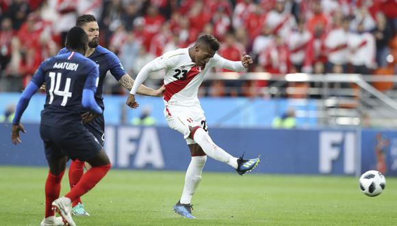 Pedro Aquino jugó los 90 minutos ante Francia en el Ekaterinburg Arena. (AFP)