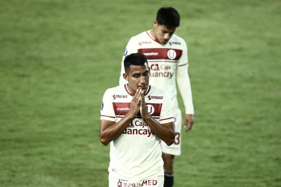 El lamento de los jugadores de Universitario tras caer frente a Palmeiras por la Copa Libertadores  (Foto: Jesús Saucedo / GEC)