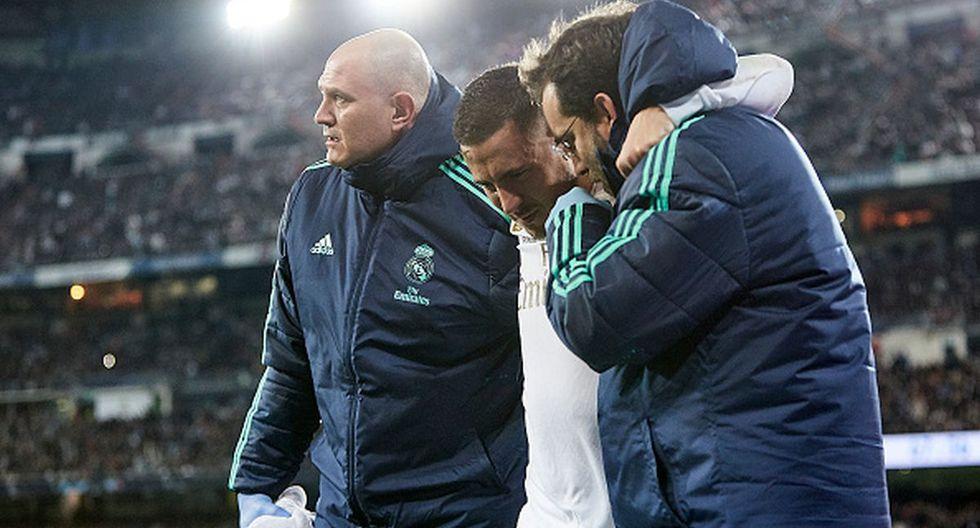 Eden Hazard sufrió un golpe en el tobillo que no lo dejó seguir en el duelo ante PSG. (Getty Images)