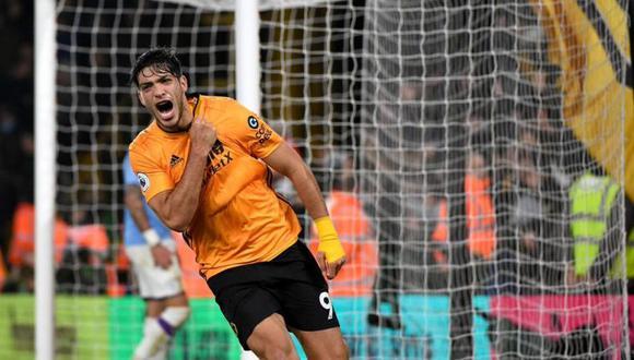 Raúl Jiménez ha tendio un gran 2019 con camiseta del Wolverhampton. (Foto: Agencias)