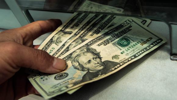 El dólar se cotizaba a 20,05 pesos en México este viernes. (Foto: GEC)