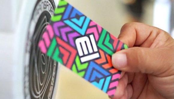Las tarjetas del metro de la CDMX podrán ser recargadas a través del celular, según Semovi. (Foto: Getty Images)