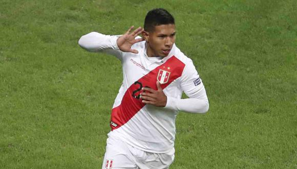 Edison Flores será por primera vez capitán de la Selección Peruana. (Foto: AP)