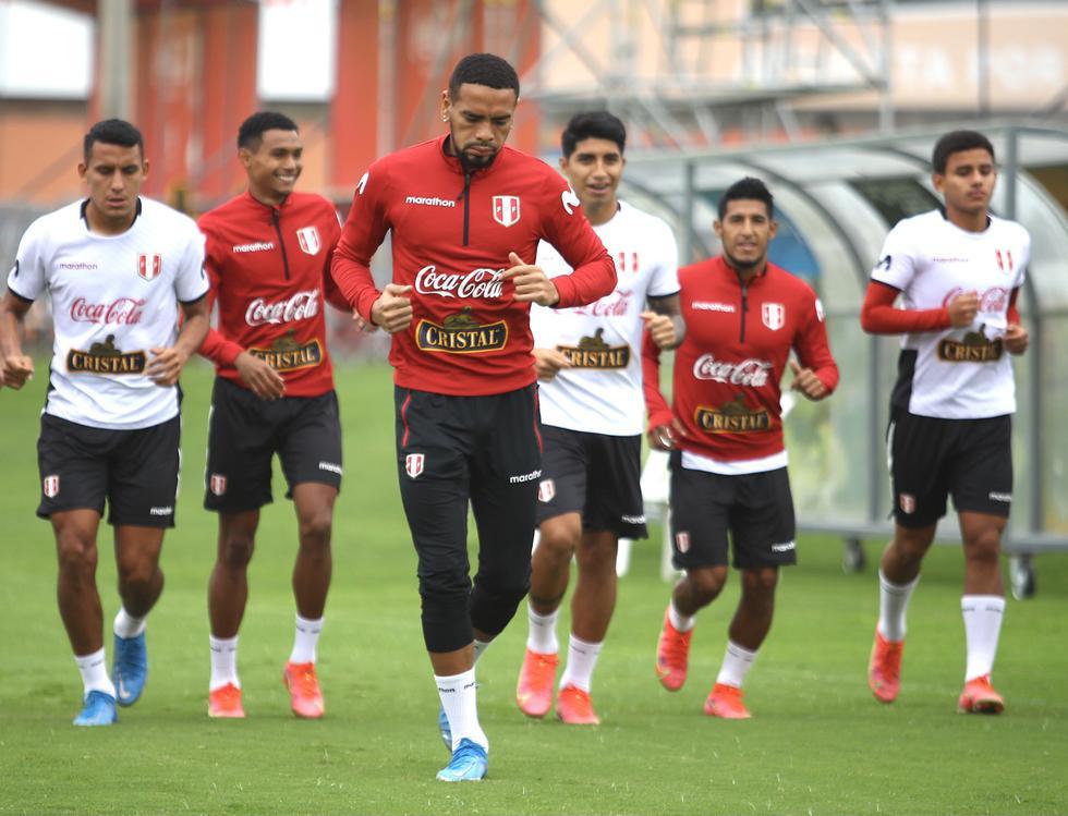 La Selección Peruana entrenó en la Videna antes de partir a Quito. (Foto: @SeleccionPeru)