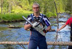 La nueva profesión de Haaland: vacaciona como leñador en Noruega
