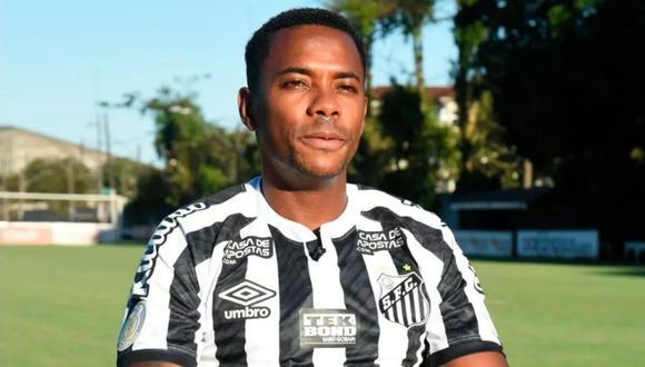 Robinho rompe su silencio tras suspenderse su contrato con Santos.
