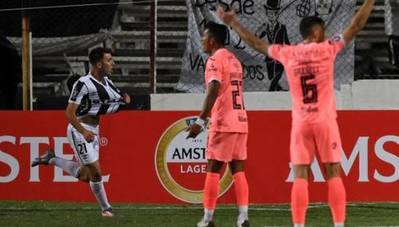 Kevin Rolón anotó el único tanto del partido en el Bolívar vs. Wanderers (Foto: AFP)