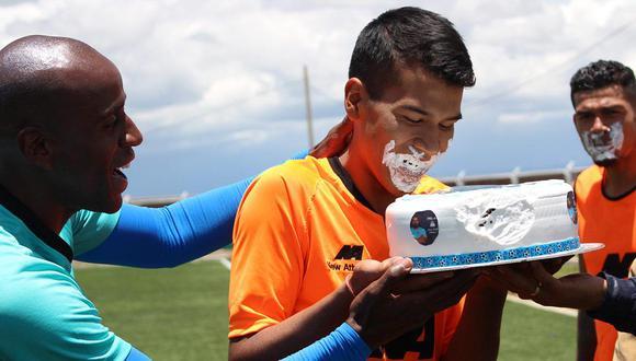 Binacional recordó cumpleaños de Juan Pablo Vergara junto a su hijo Francesco. (Foto: Ovación)