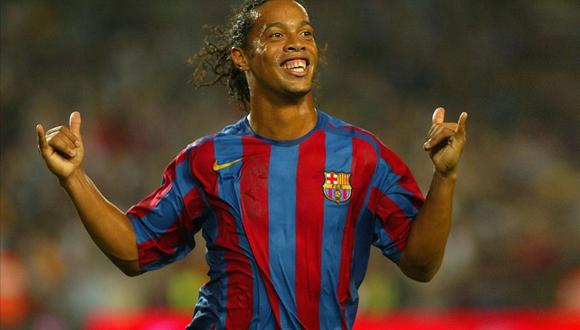 Ronaldinho llegó al FC Barcelona desde el PSG en 2003. (Foto: Twitter)