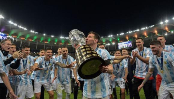 Lionel Messi consiguió así si primer título con la selección mayor de Argentina. | Foto: AFP