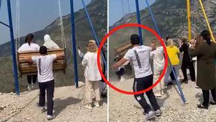 Video viral: Dos mujeres caen de columpio ubicado sobre un abismo