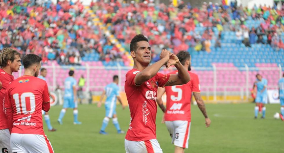 Cienciano ganó y es el líder de la Liga 1, por ahora. (Foto: José Carlos Angulo)