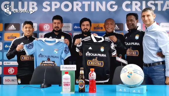 Jorge Cazulo y su comando técnico que lo acompañará en el equipo de reserva de Sporting Cristal. (Foto: Cristal TV)