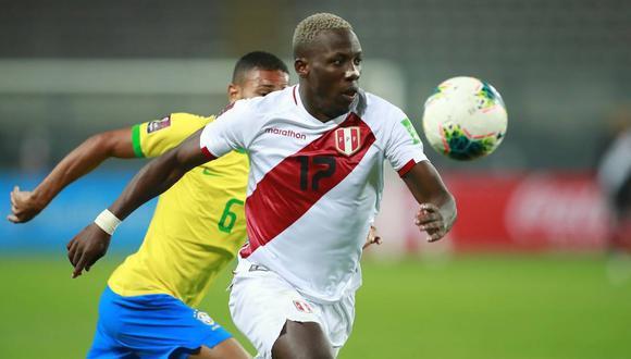 Luis Advíncula jugó los cuatro partidos del actual proceso clasificatorio. (Foto: AFP)