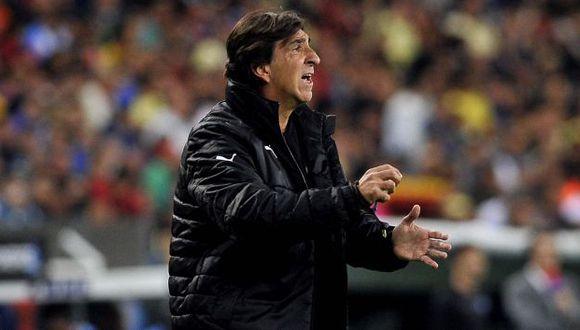 Gustavo Costas llevó a Alianza Lima hasta octavos de final de la Copa Libertadores 2010. (Foto: AFP)