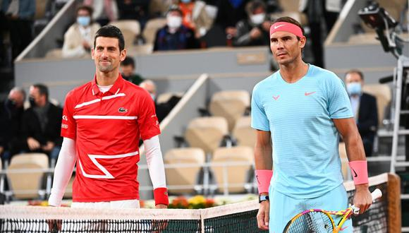 Nadal vs. Djokovic se enfrentaron por las semifinales del Roland Garros 2021. (Foto: AFP)