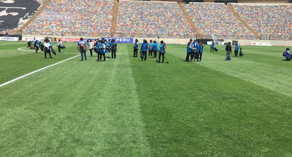 Así luce la cancha del Monumental tras la final de la Copa Libertadores. (@jferrari5)