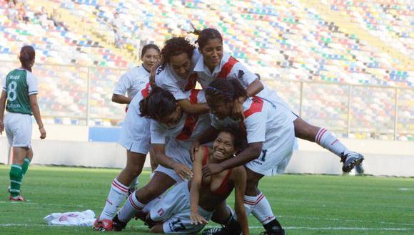 Martha Mori fue noticia por su celebración al sacarse la camiseta. En una sociedad como la nuestra, esto fue más importante que la victoria de la Selección Peruana Femenina. (Foto: Consuelo Vargas / Archivo GEC)