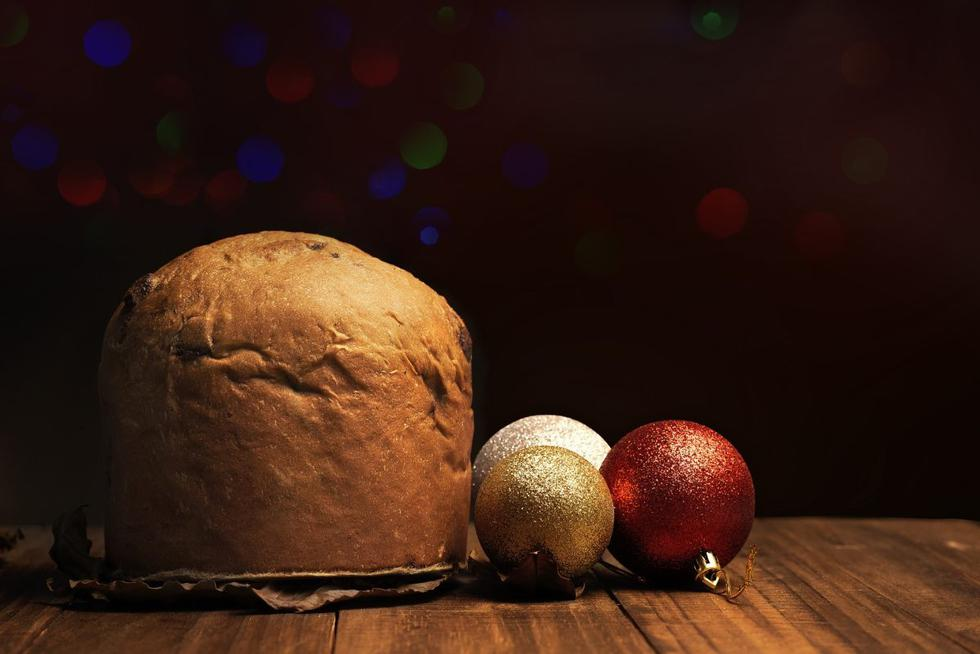 """Si hay algo que caracteriza a las cenas navideñas, además de su delicioso sabor y significado para la familia, es el aporte calórico que trae tener en la mesa el pavo horneado, lechón, puré de camote, chocolate caliente y panetón. Para que no dejes de disfrutar del sabor de este pan dulce sin sentir culpa esta <a href=""""https://depor.com/noticias/navidad/""""><font color=""""blue"""">Navidad</font></a>, aquí te dejamos algunos trucos que serán de gran utilidad para tu dieta saludable."""