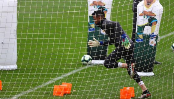 Pedro Gallese fue la figura ante Uruguay y espera brillar otra vez ante Chile. (Foto: Daniel Apuy)