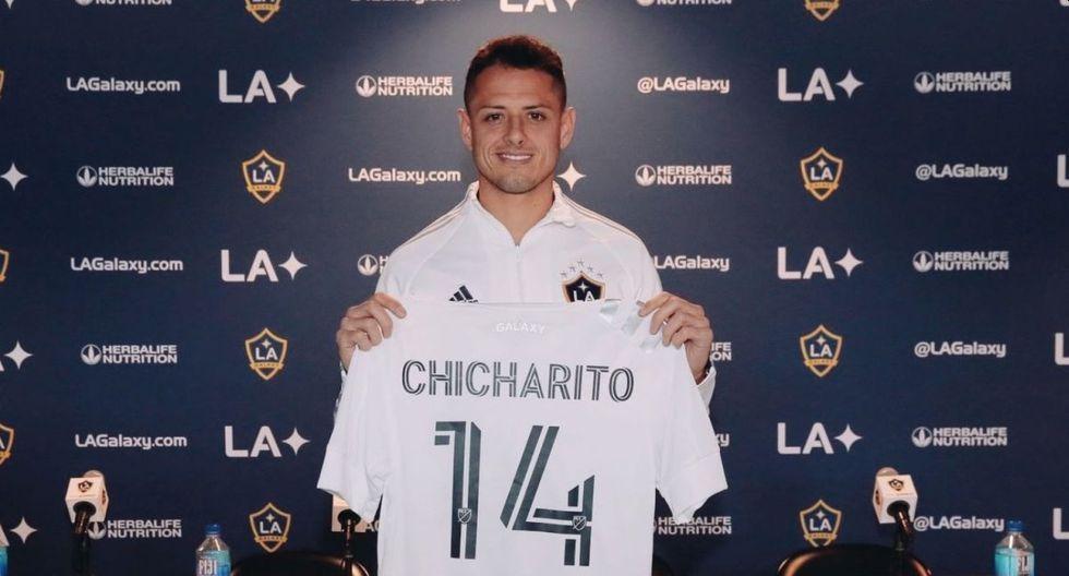 8.- 'Chicharito' Hernández, de Sevilla a Los Angeles Galaxy en la temporada 2019-20, por 9.3 millones de dólares. (Foto: AFP)