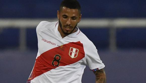 Sergio Peña ha sido titular en todos los partidos de Perú en la Copa América 2021. (Foto: AFP)