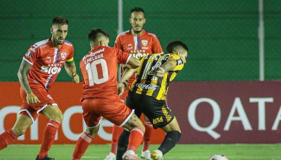 Guaraní venció a Royal Pari por la fase 1 de la Copa Libertadores, partido de ida. (AFP)